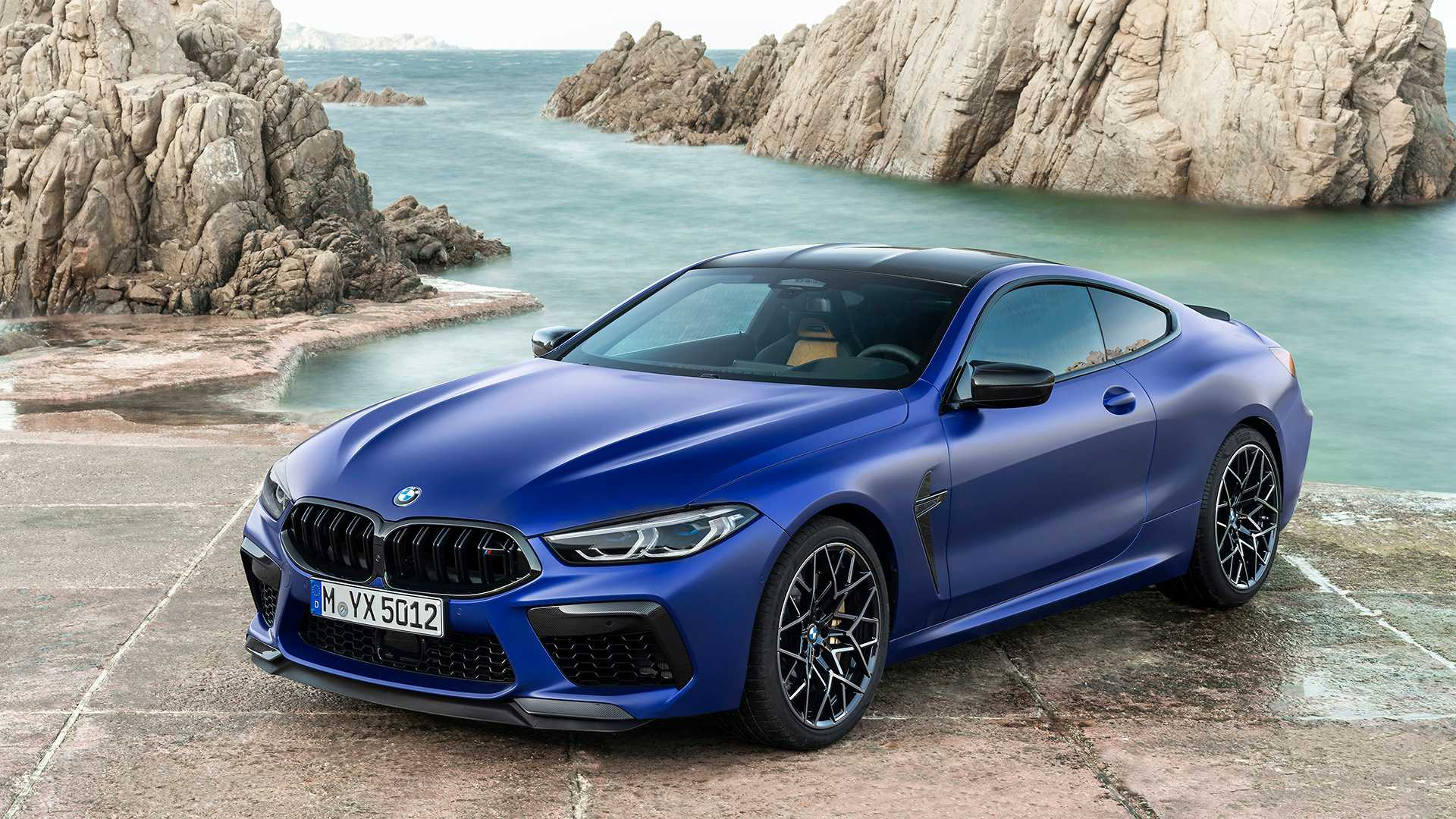 2019-bmw-m8-coupe-26