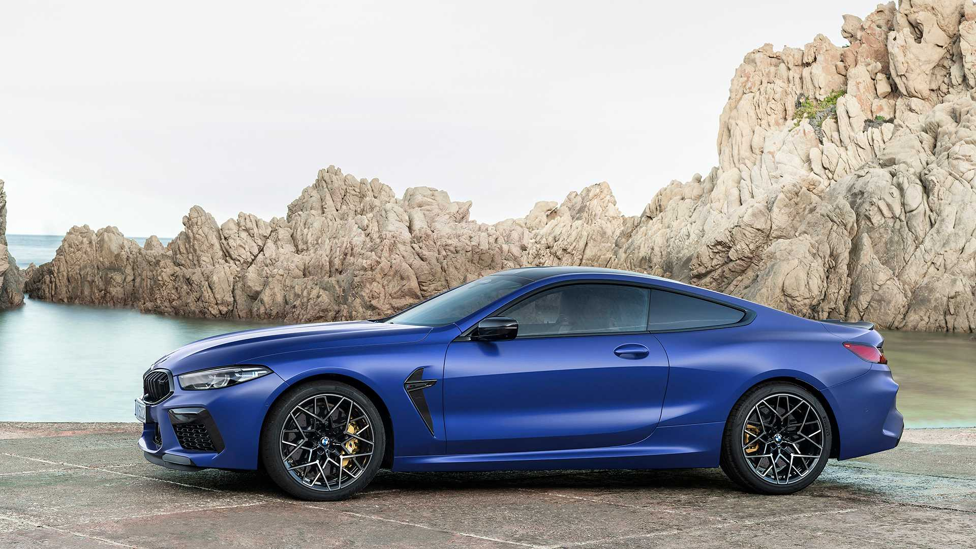 2019-bmw-m8-coupe-28