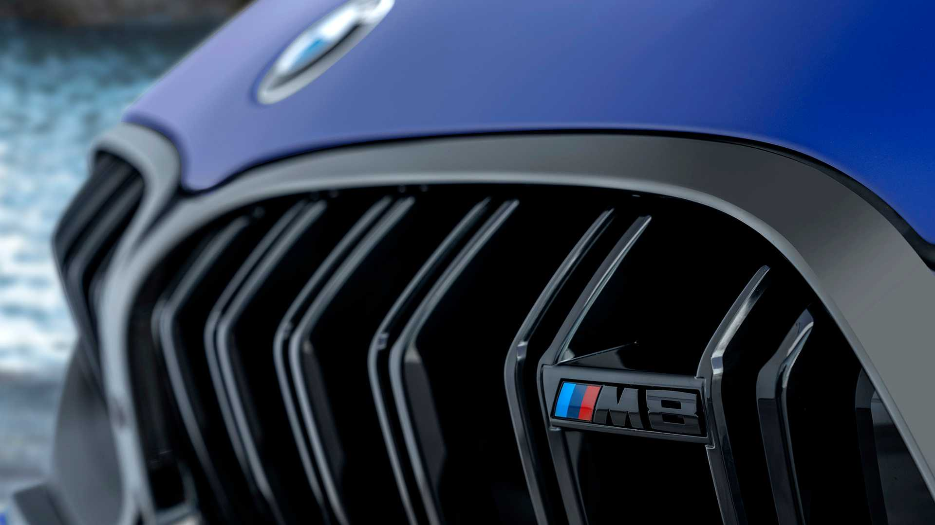 2019-bmw-m8-coupe-31