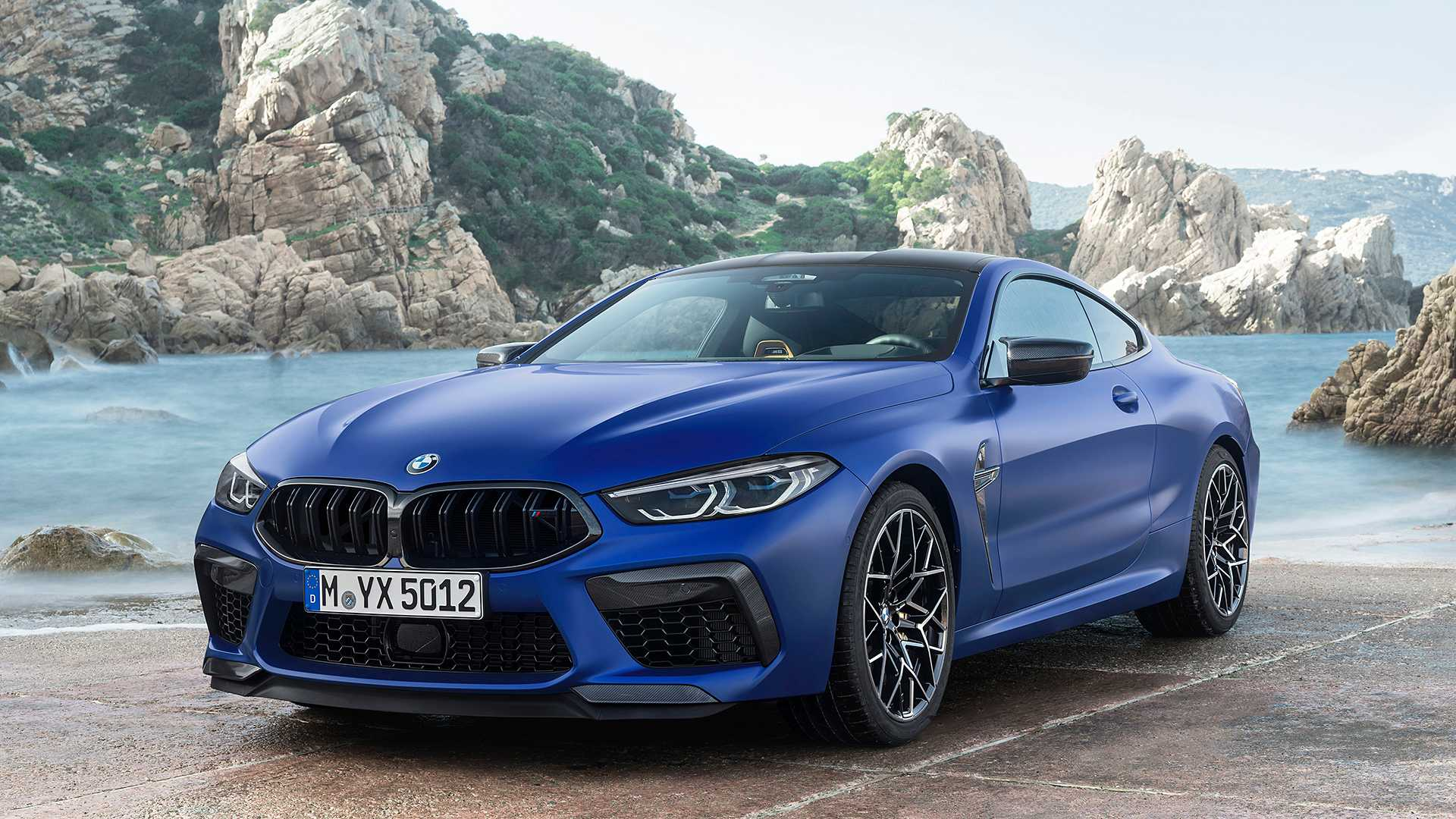 2019-bmw-m8-coupe-38