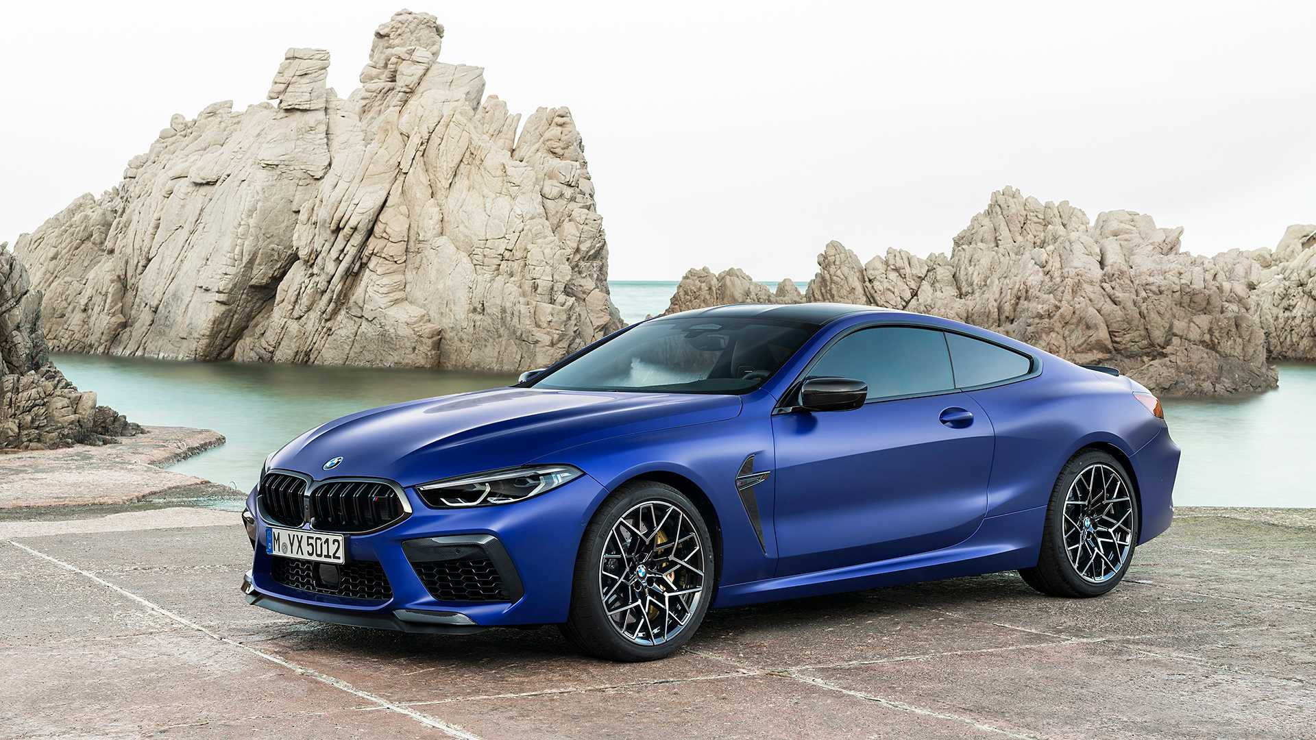 2019-bmw-m8-coupe-42