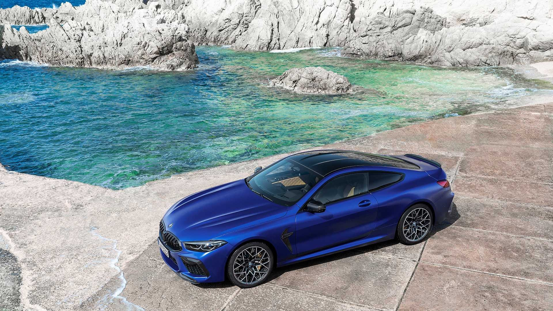 2019-bmw-m8-coupe-44