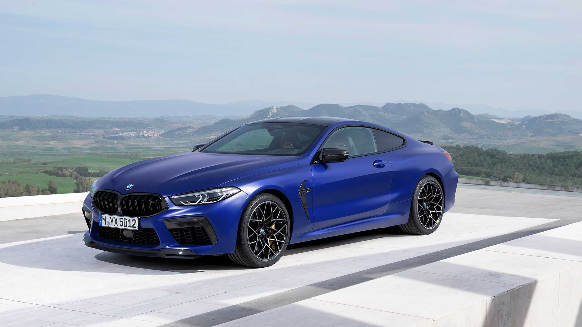 2019-bmw-m8-coupe-47