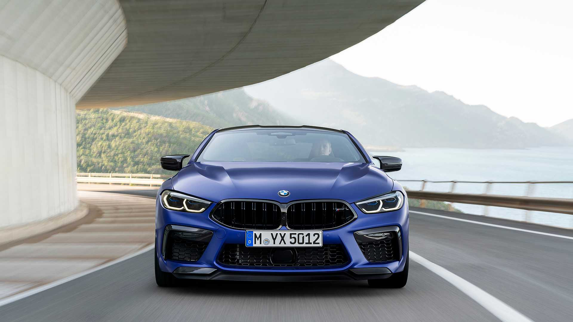 2019-bmw-m8-coupe-48