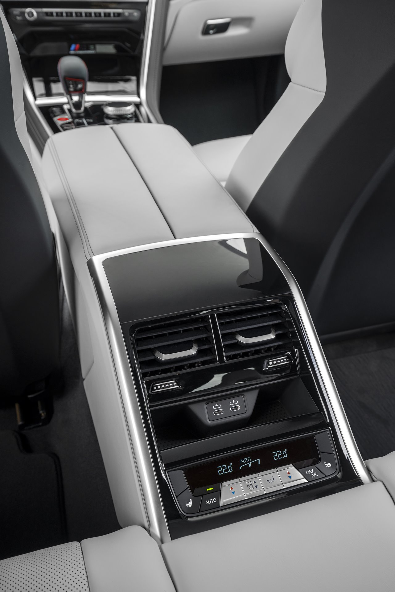 BMW-M8-Gran-Coupe-2020-126