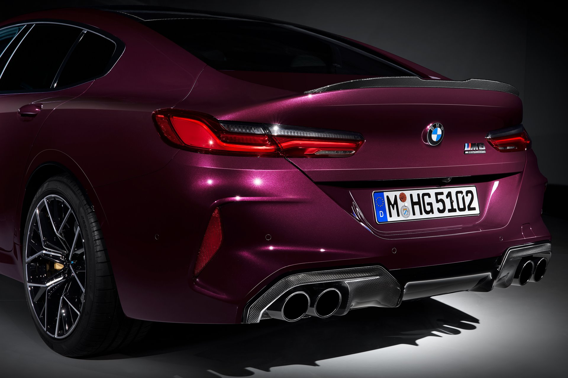 BMW-M8-Gran-Coupe-2020-14