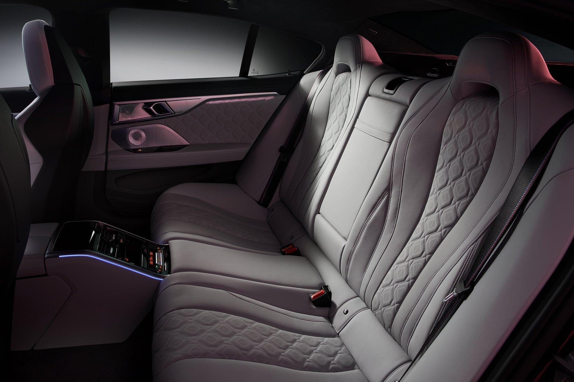 BMW-M8-Gran-Coupe-2020-23