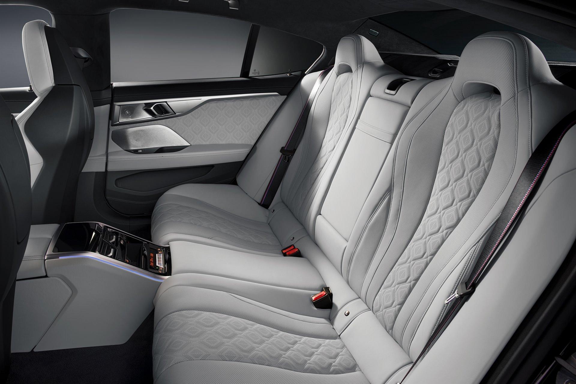 BMW-M8-Gran-Coupe-2020-24