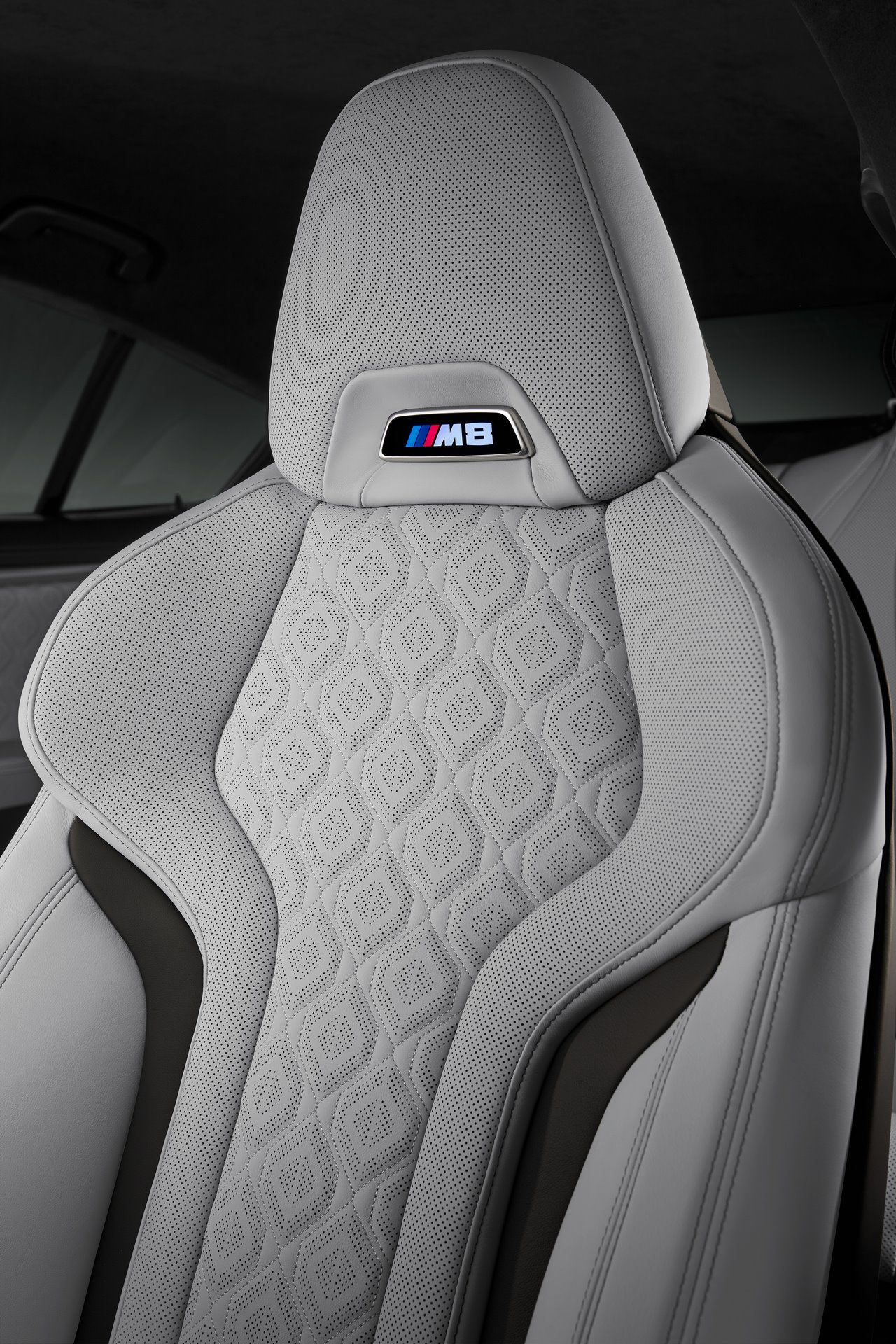 BMW-M8-Gran-Coupe-2020-27