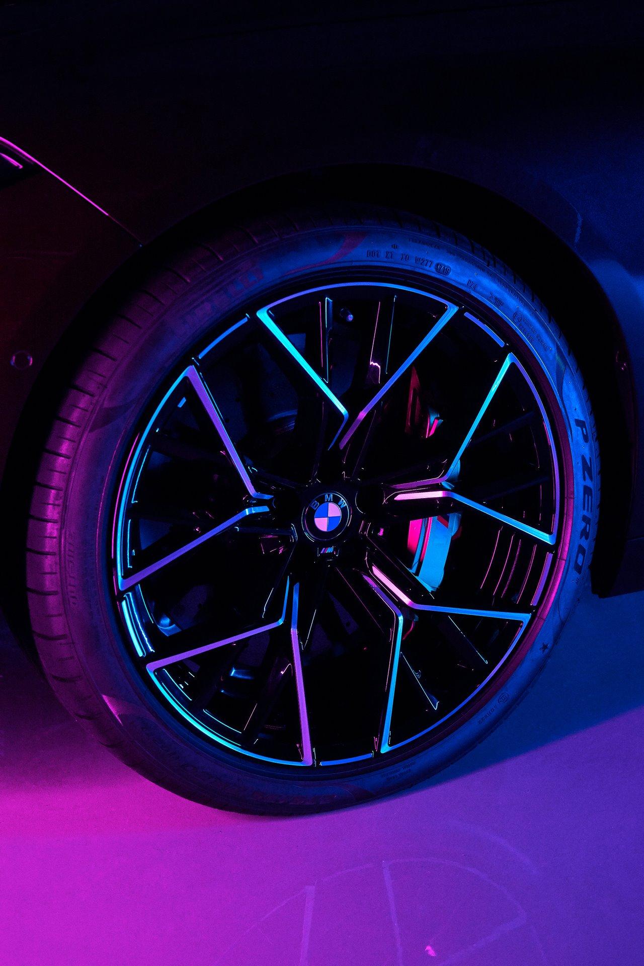 BMW-M8-Gran-Coupe-2020-37
