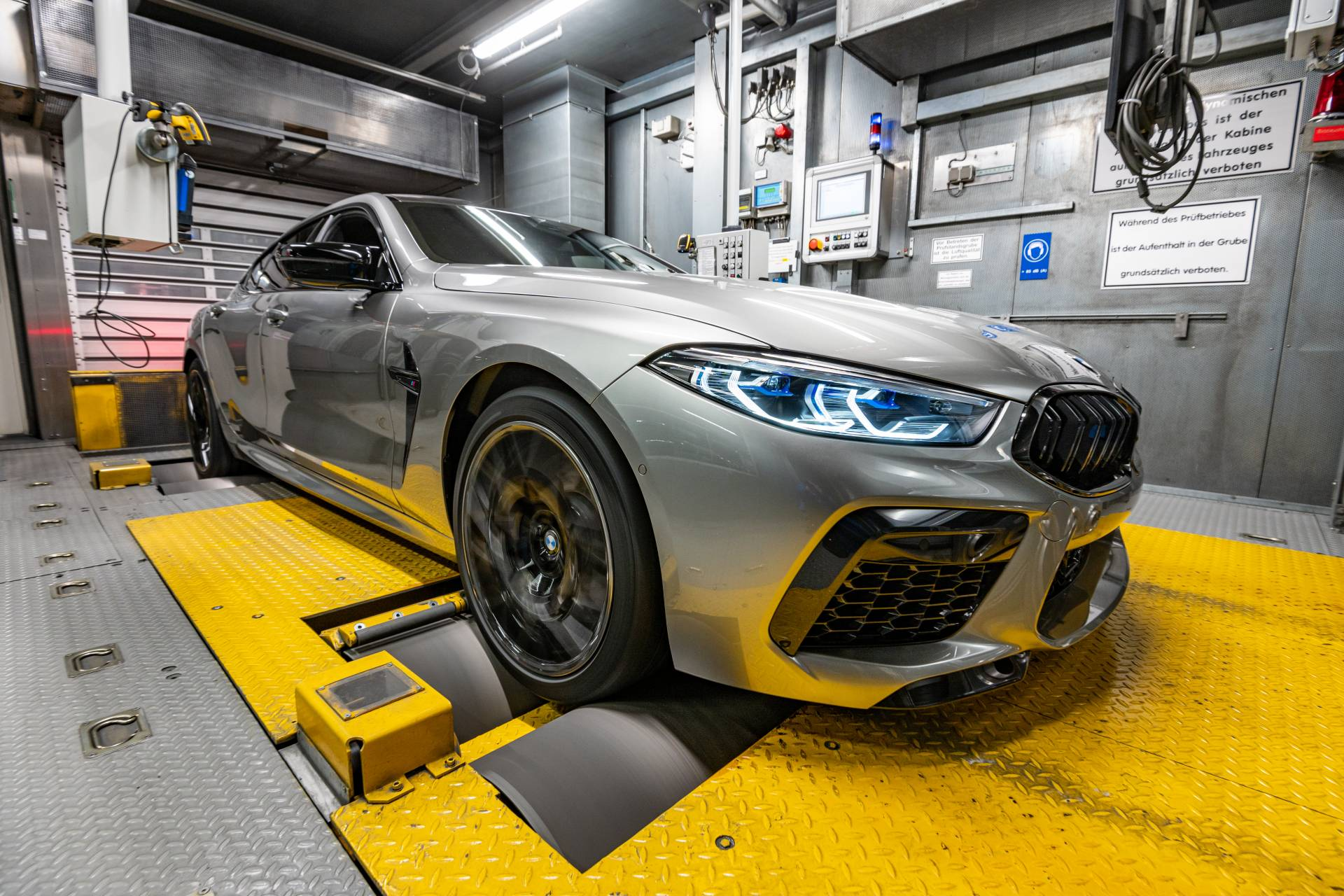BMW-M8-Gran-Coupe-production-plant-factory-6