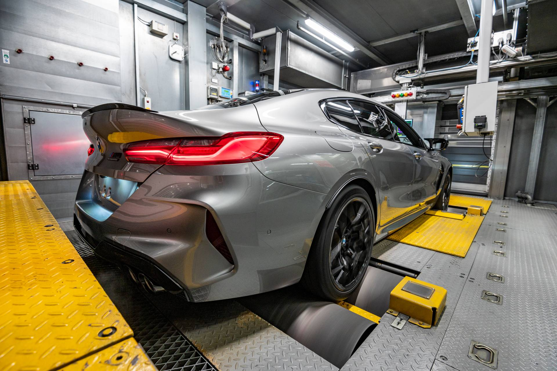 BMW-M8-Gran-Coupe-production-plant-factory-7