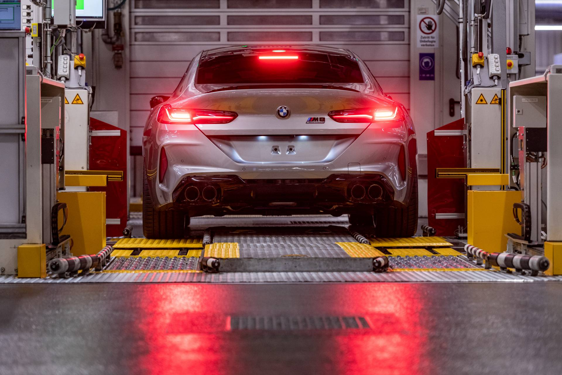 BMW-M8-Gran-Coupe-production-plant-factory-8