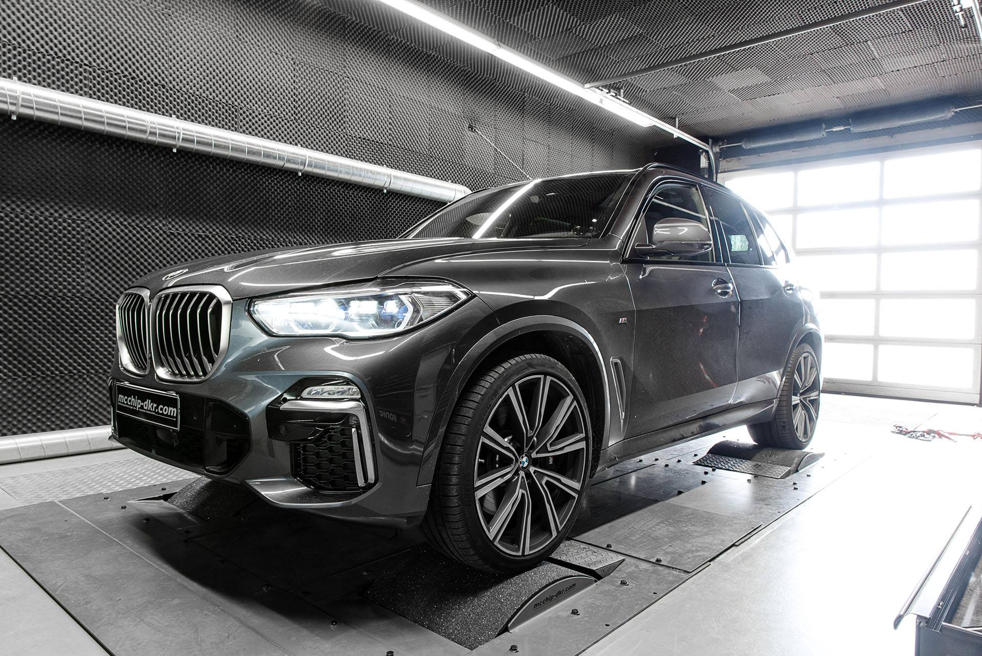 BMW X5 M50d by Mcchip DKR (1)