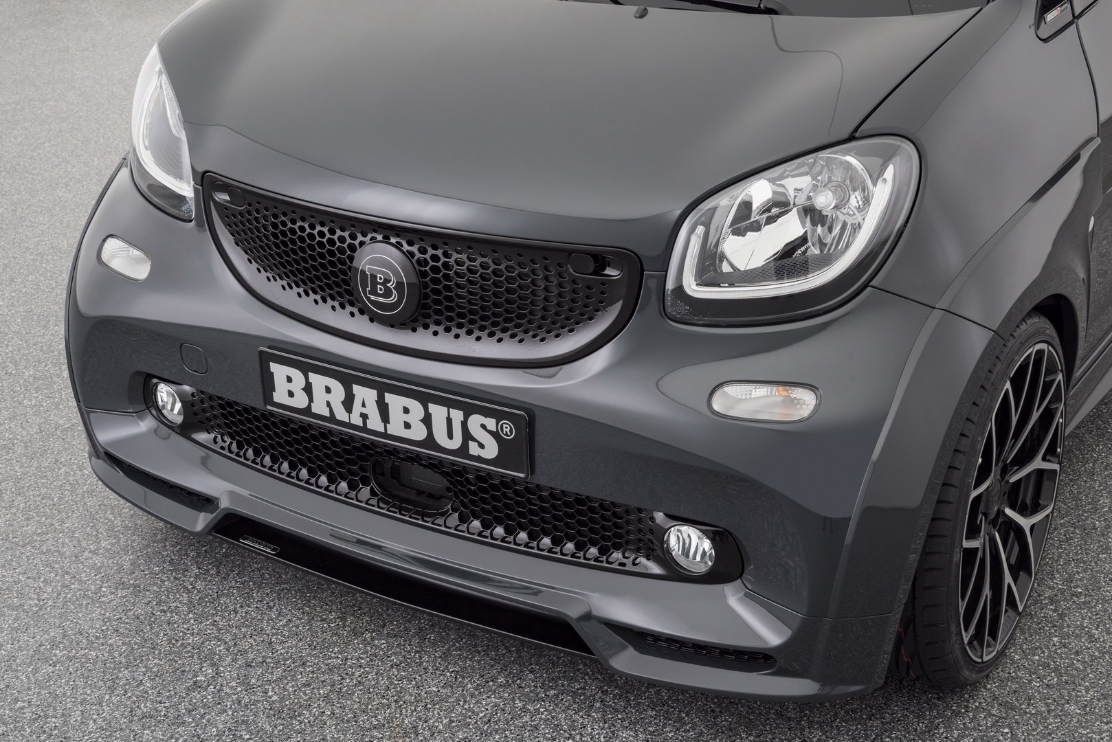 Brabus Ultimate E Shadow Edition (8)