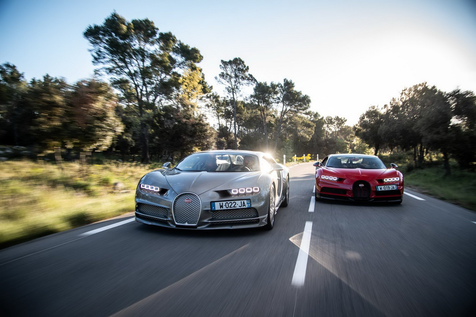 Bugatti-Chiron-and-Chiron-Sport-at-Paul-Ricard-Circuit-8