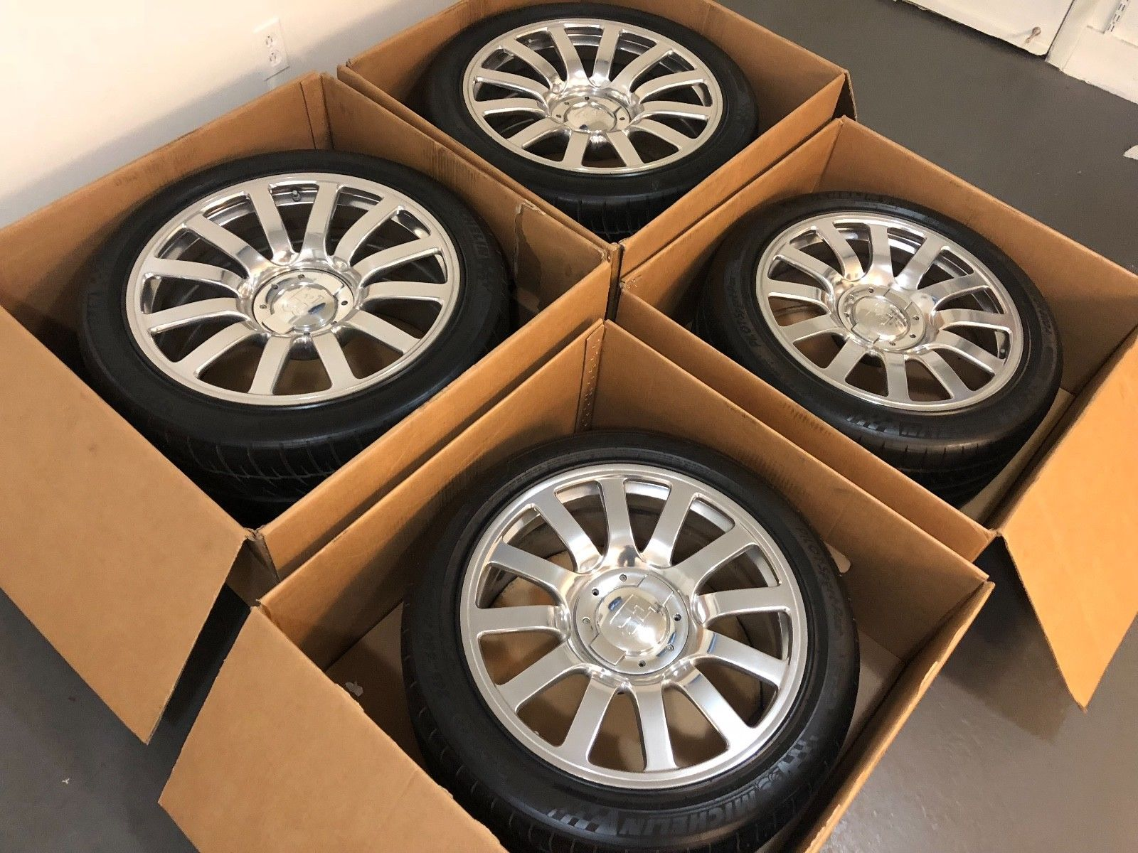 Bugatti Veyron Wheels and Tires for sale (10)
