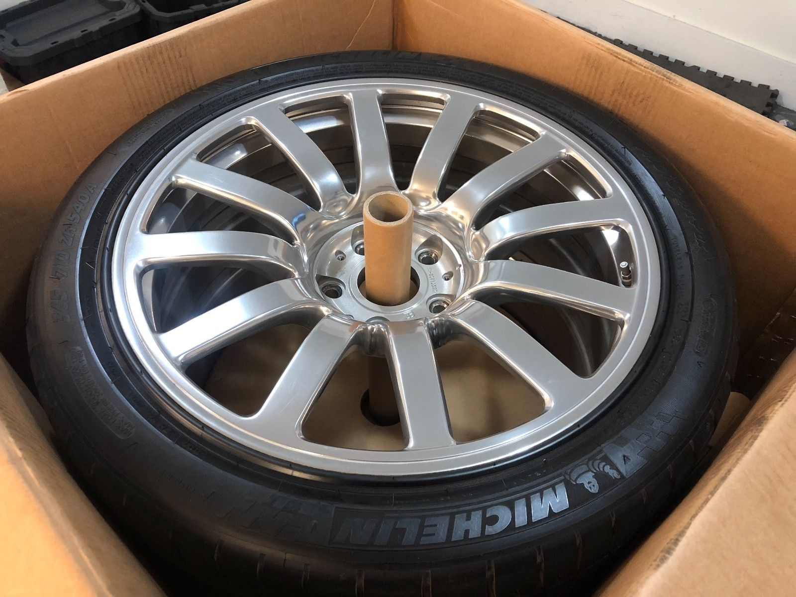 Bugatti Veyron Wheels and Tires for sale (3)