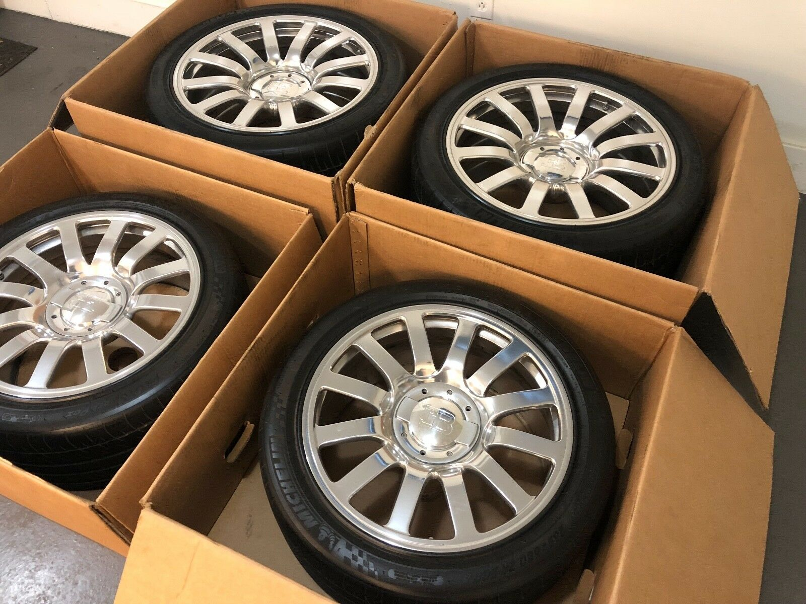 Bugatti Veyron Wheels and Tires for sale (9)