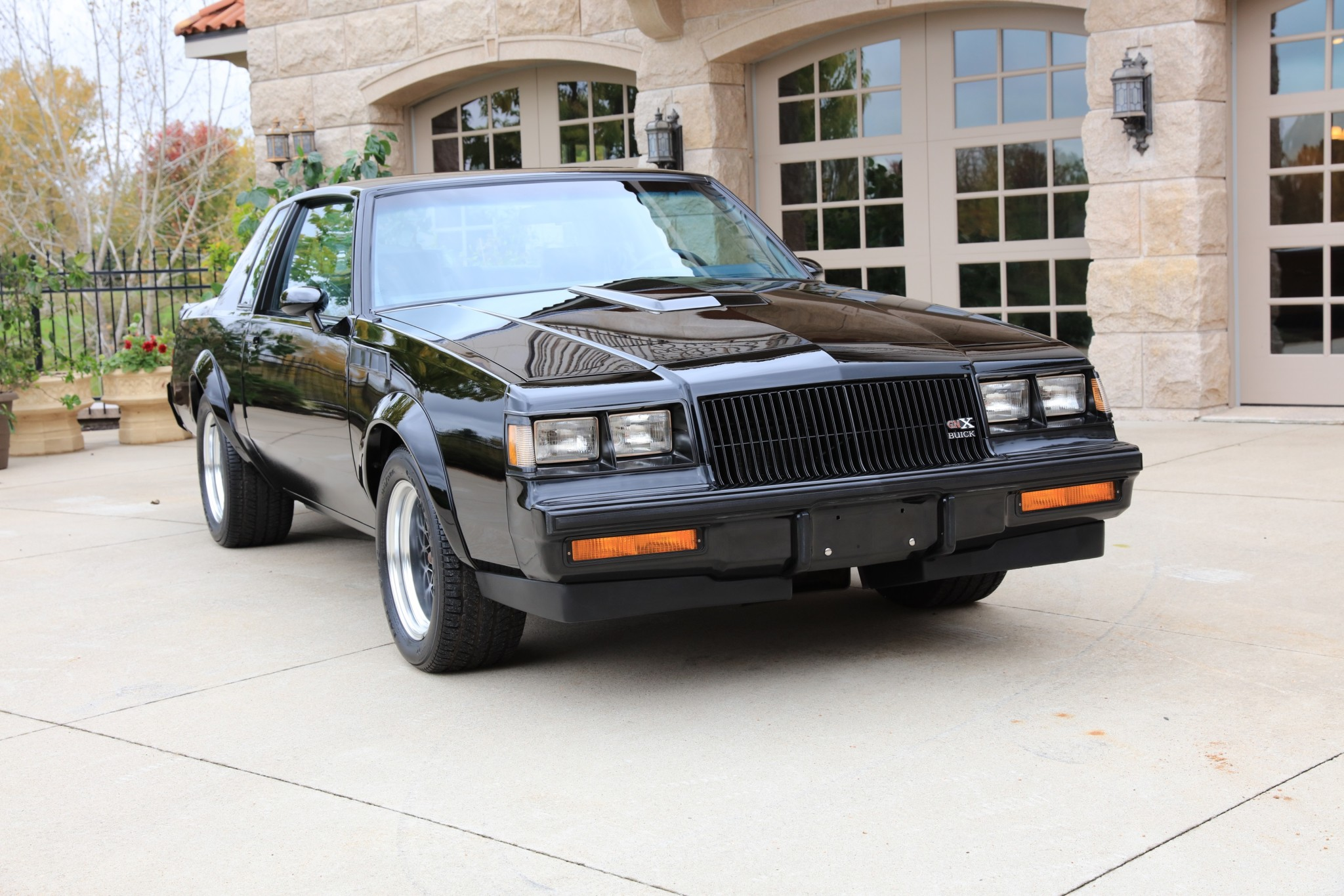 Buick GNX with only 13 km (1)