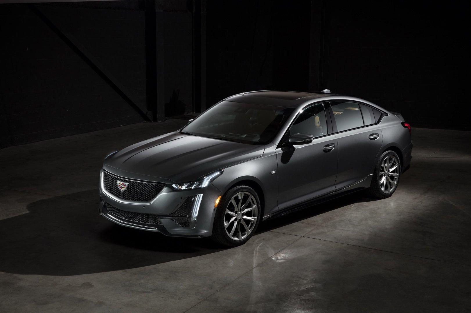 Cadillac CT5 (1)