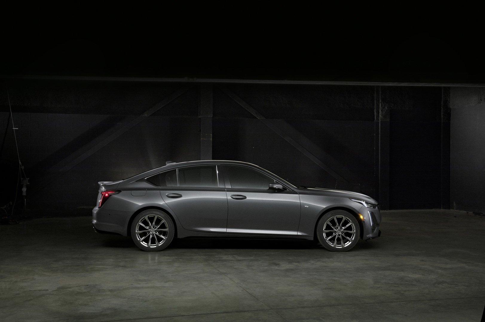 Cadillac CT5 (2)