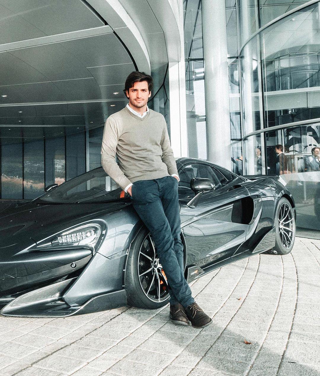 Carlos-Sainz-McLaren-600LT-Spider-1