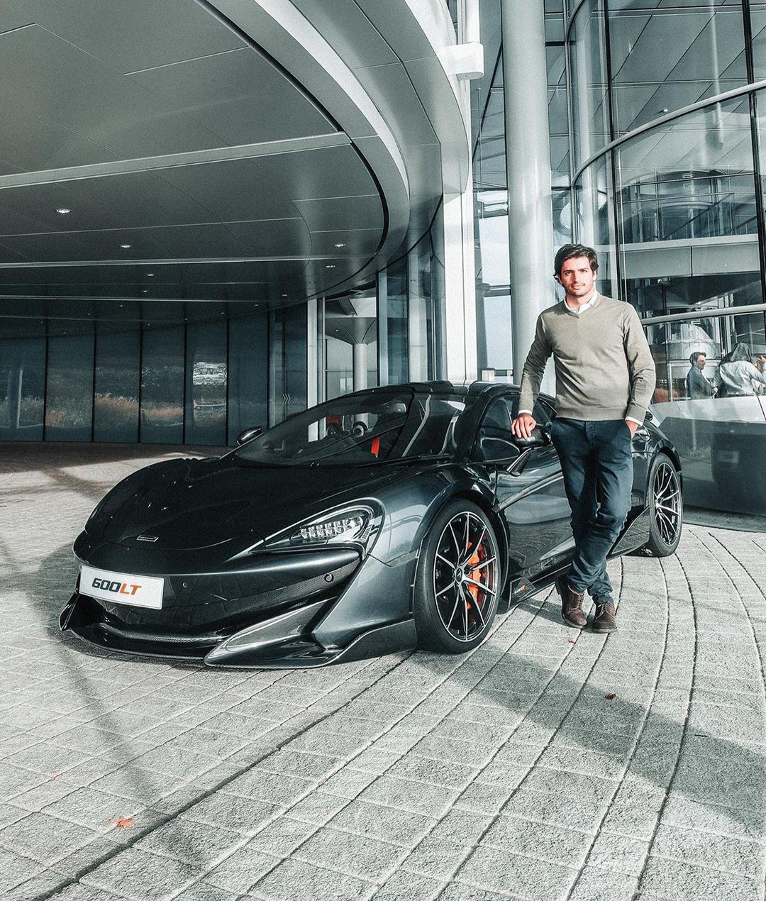 Carlos-Sainz-McLaren-600LT-Spider-2