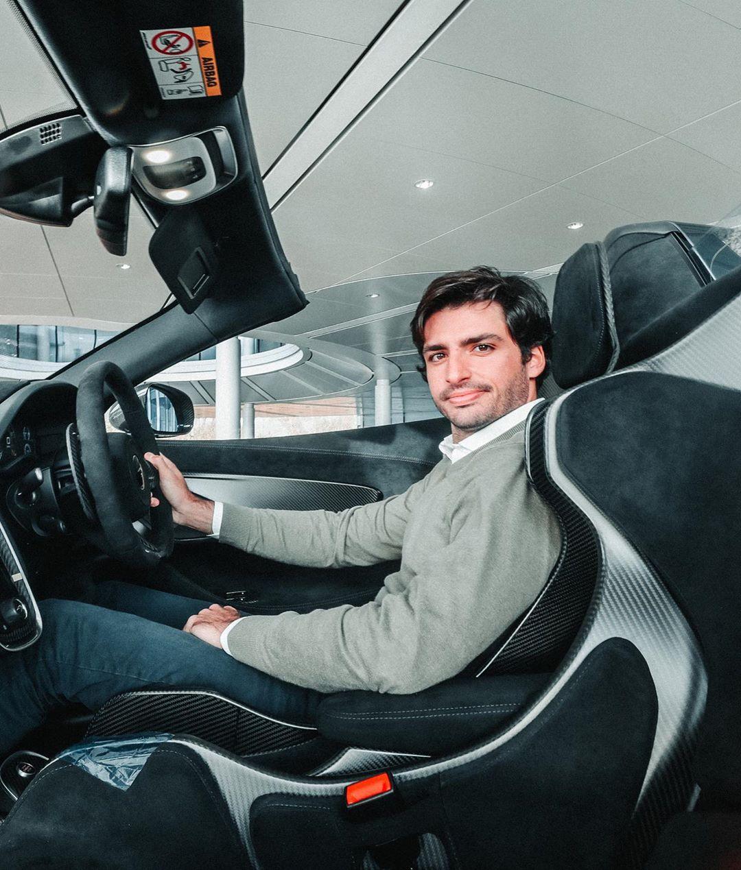 Carlos-Sainz-McLaren-600LT-Spider-3
