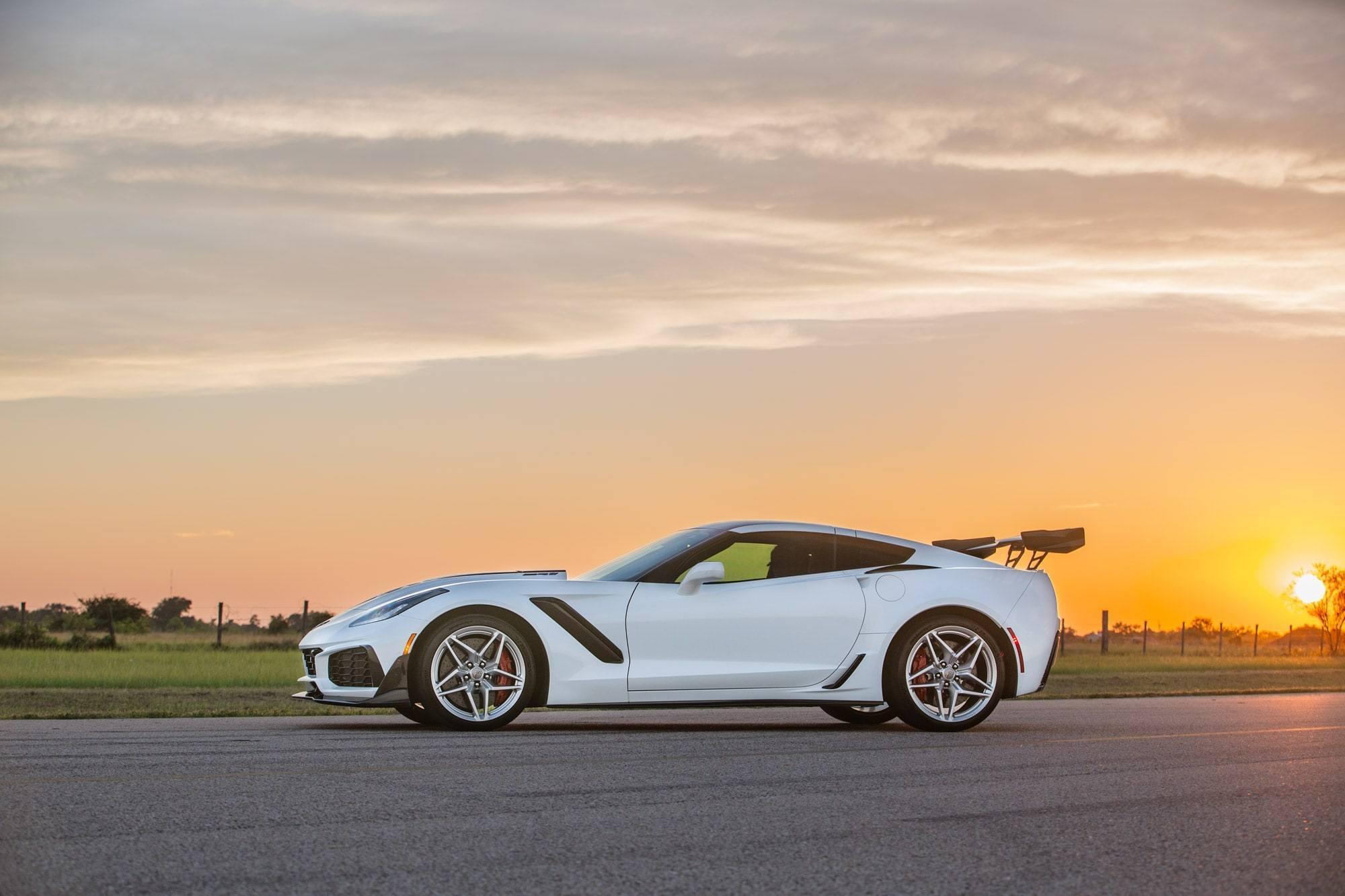 Chevrolet-Corvette-ZR1-by-Hennessey-12