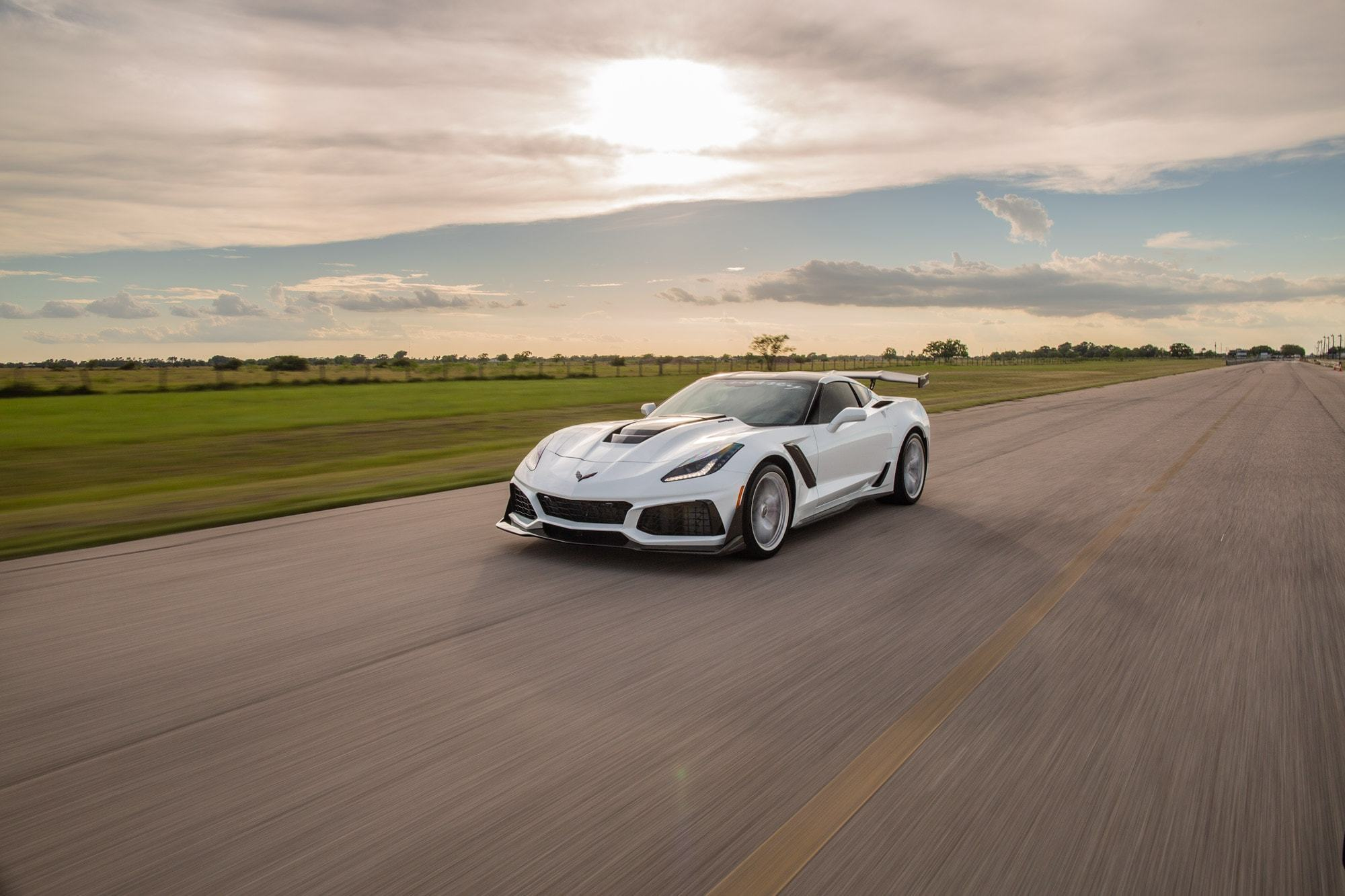 Chevrolet-Corvette-ZR1-by-Hennessey-4