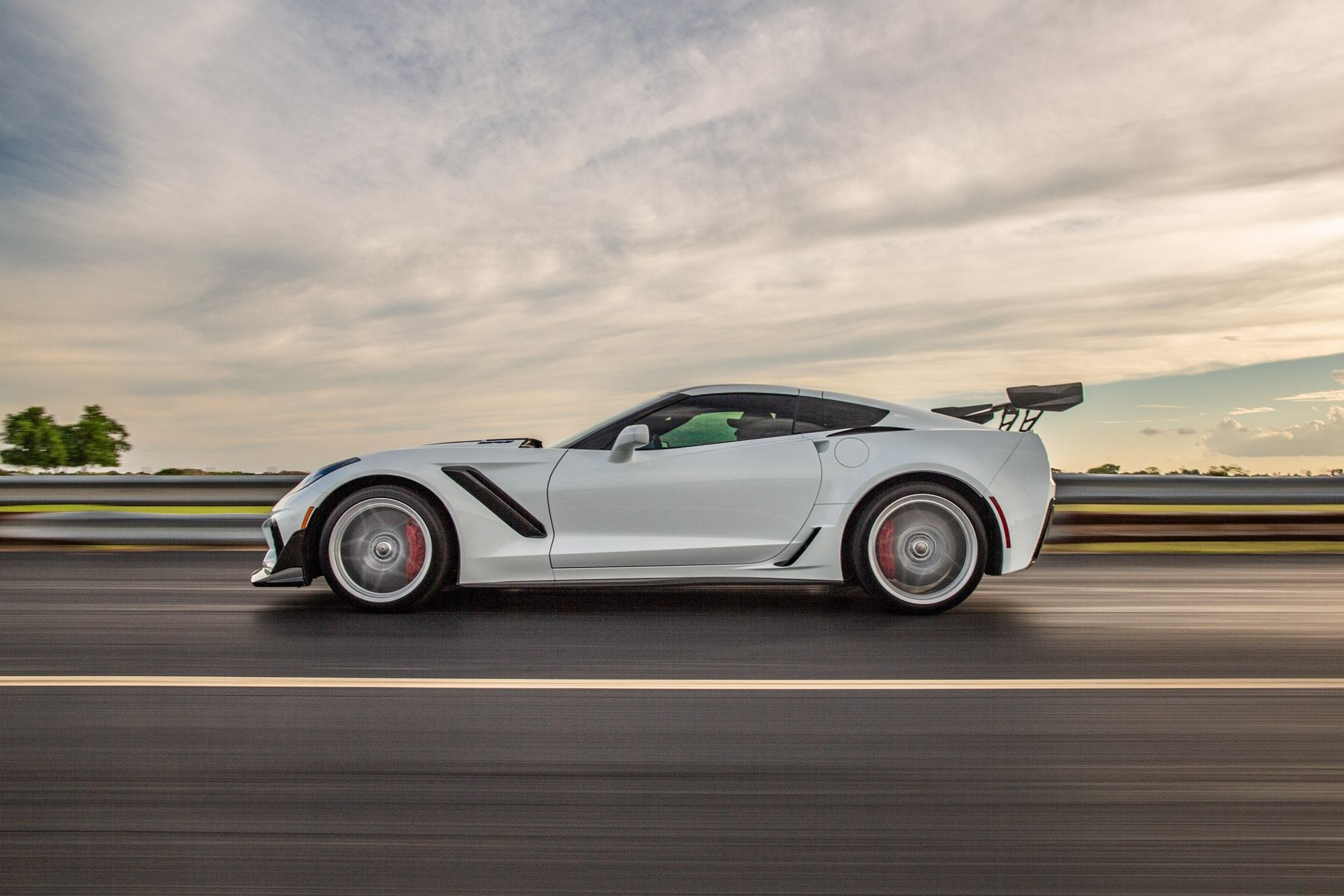 Chevrolet-Corvette-ZR1-by-Hennessey-6