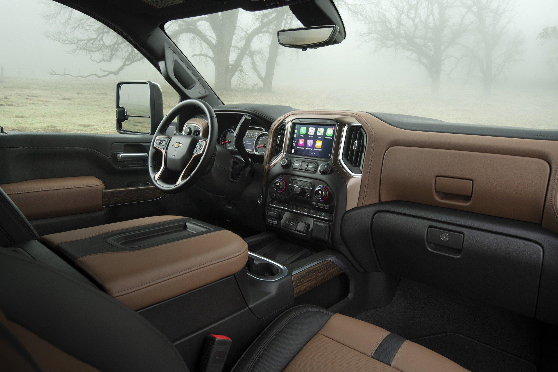 Chevrolet Silverado HD 2020  (34)