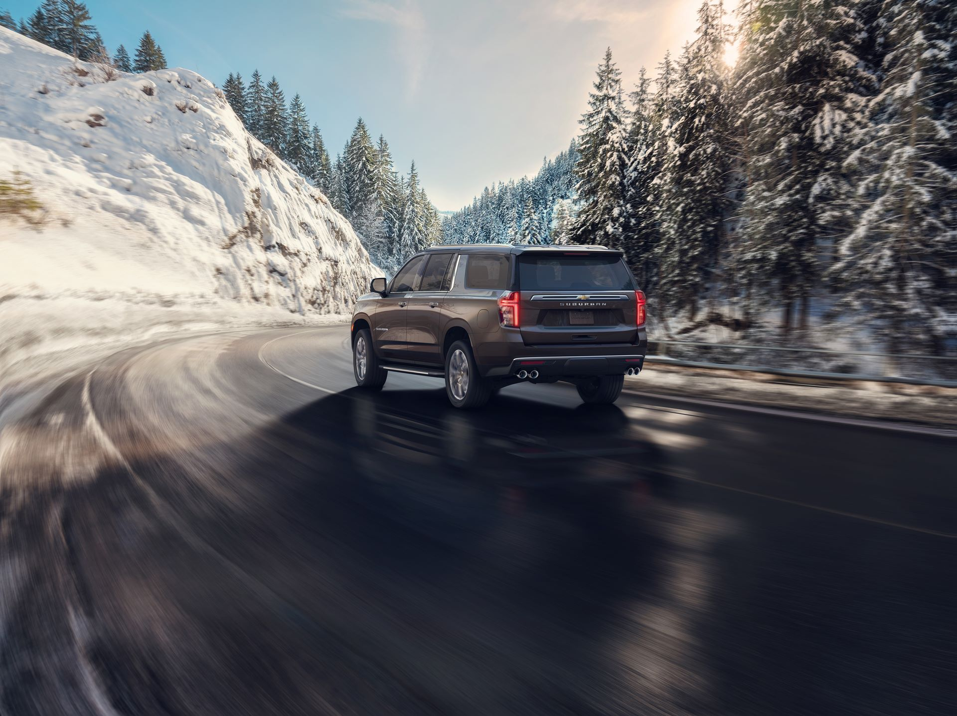 2021-Chevrolet-Suburban-HighCountry-002