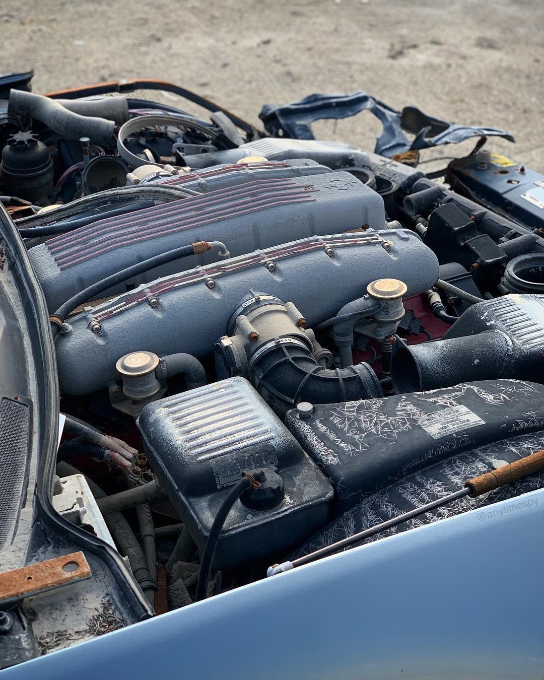 Crashed_Ferrari_575M_Maranello_0002