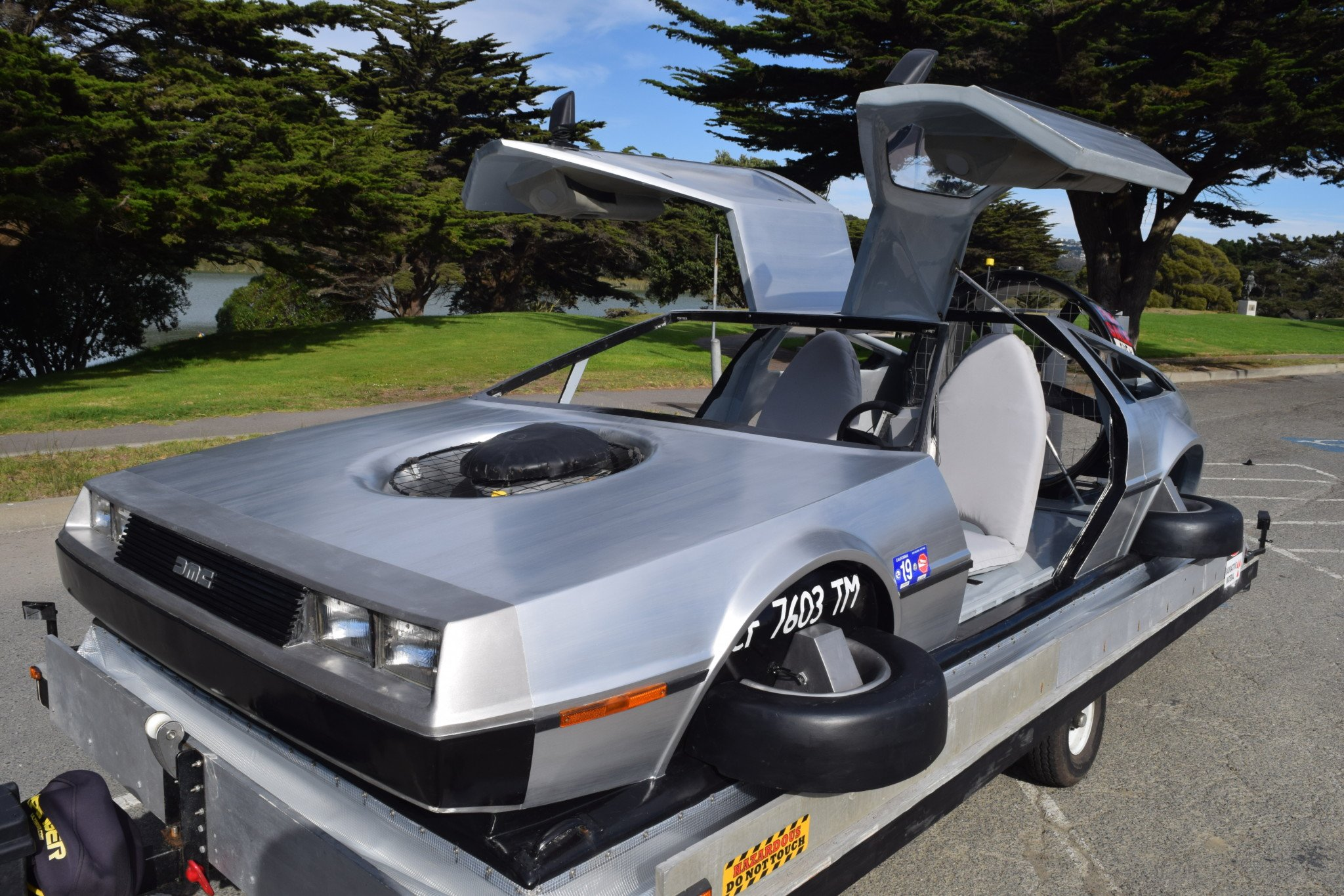 Delorean-Hovercraft-6