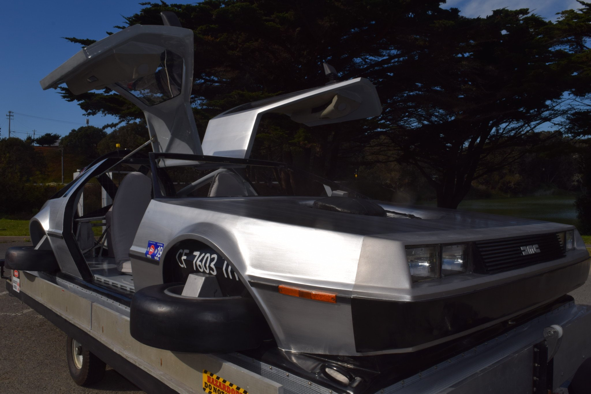 Delorean-Hovercraft-7