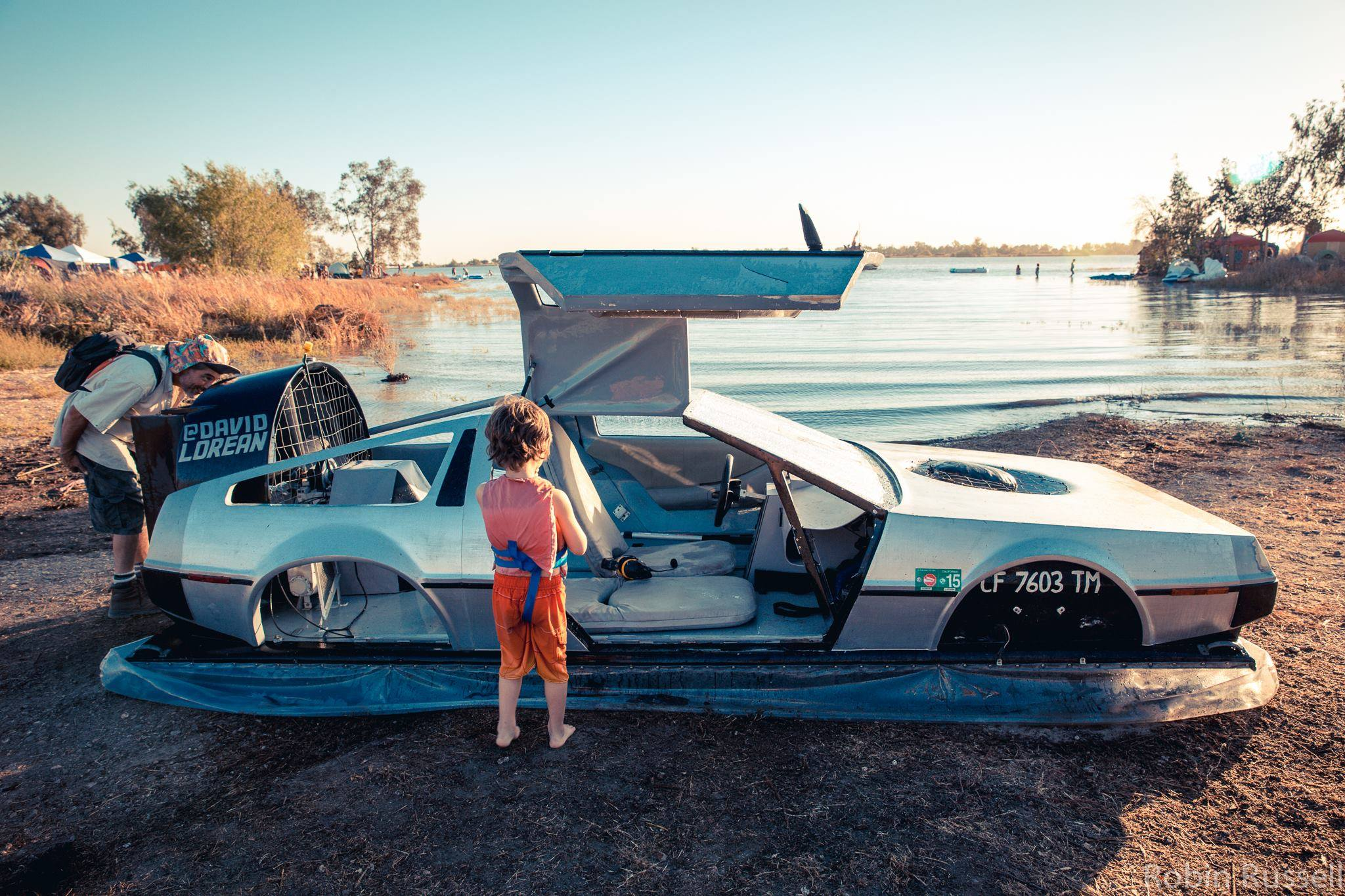 Delorean-Hovercraft-8