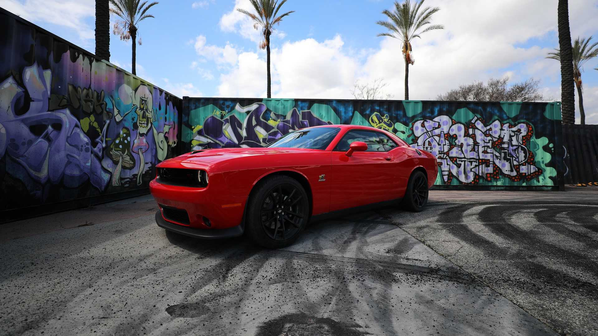2019-dodge-challenger-r-t-scat-pack-1320-angry-bee-7