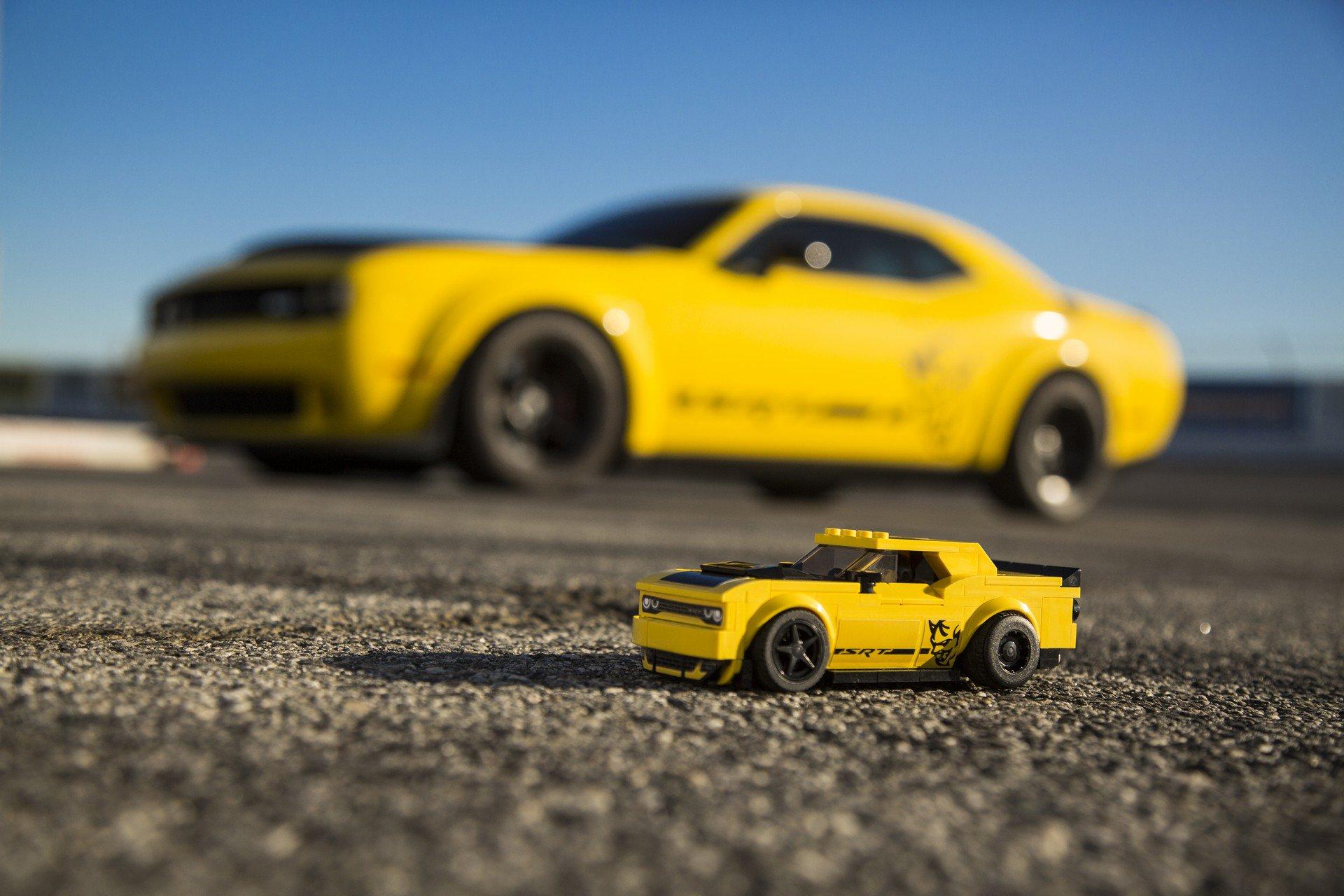 Dodge Challenger SRT Demon Lego Speed Champions (4)