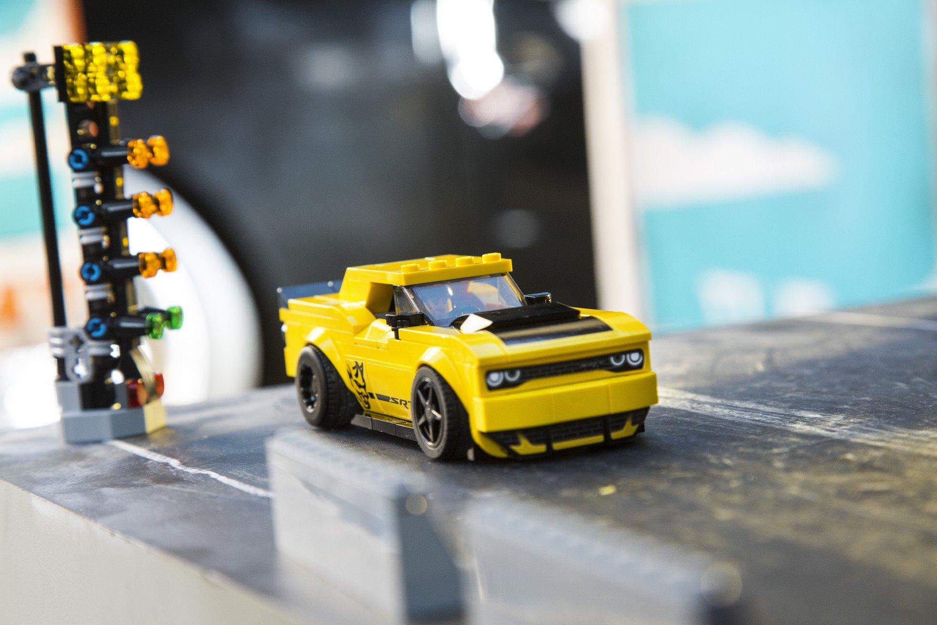 Dodge Challenger SRT Demon Lego Speed Champions (5)