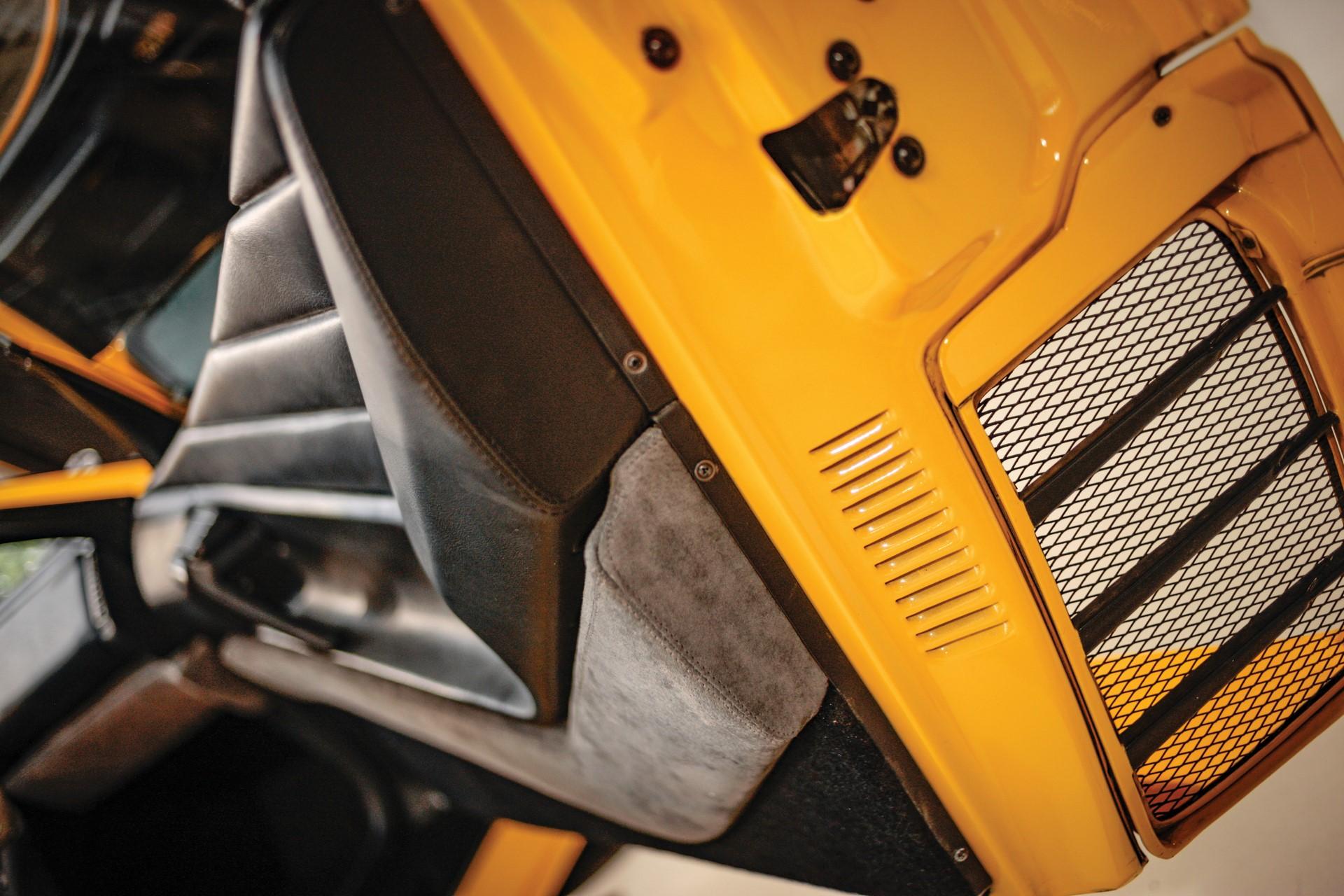 1990-Ferrari-348-TB-Zagato-Elaborazione_13