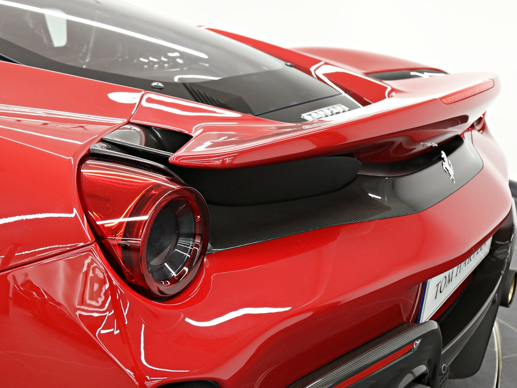 Ferrari_488_Pista_for_sale_0025