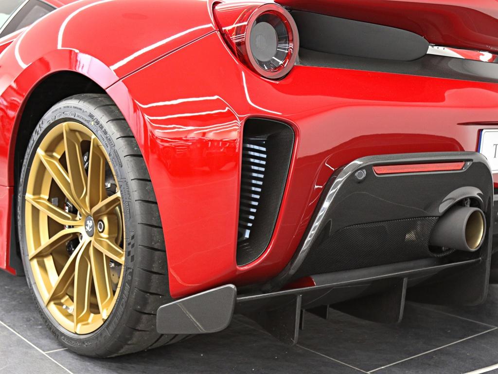 Ferrari_488_Pista_for_sale_0027
