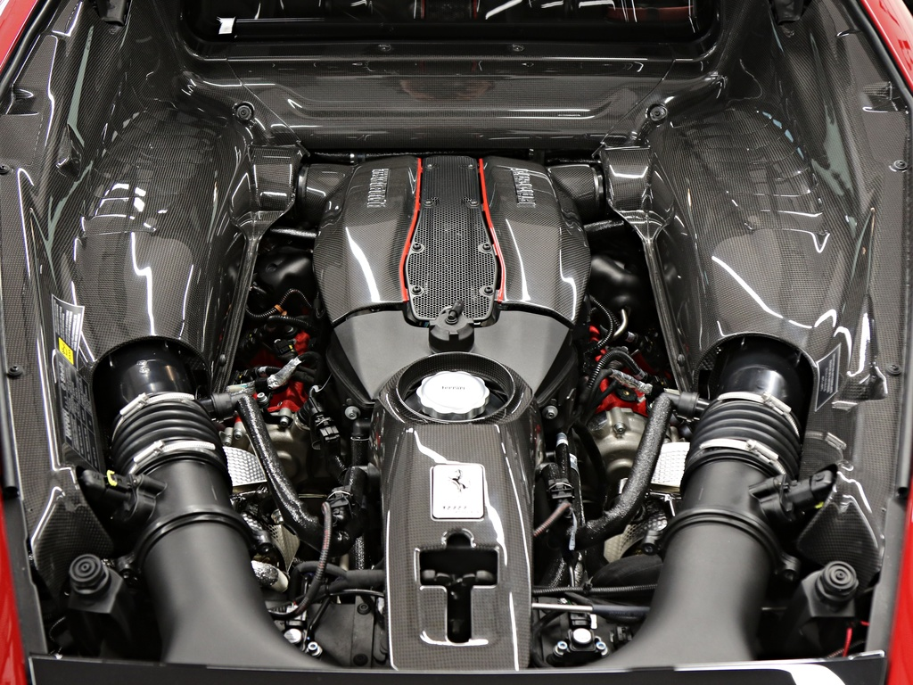 Ferrari_488_Pista_for_sale_0029