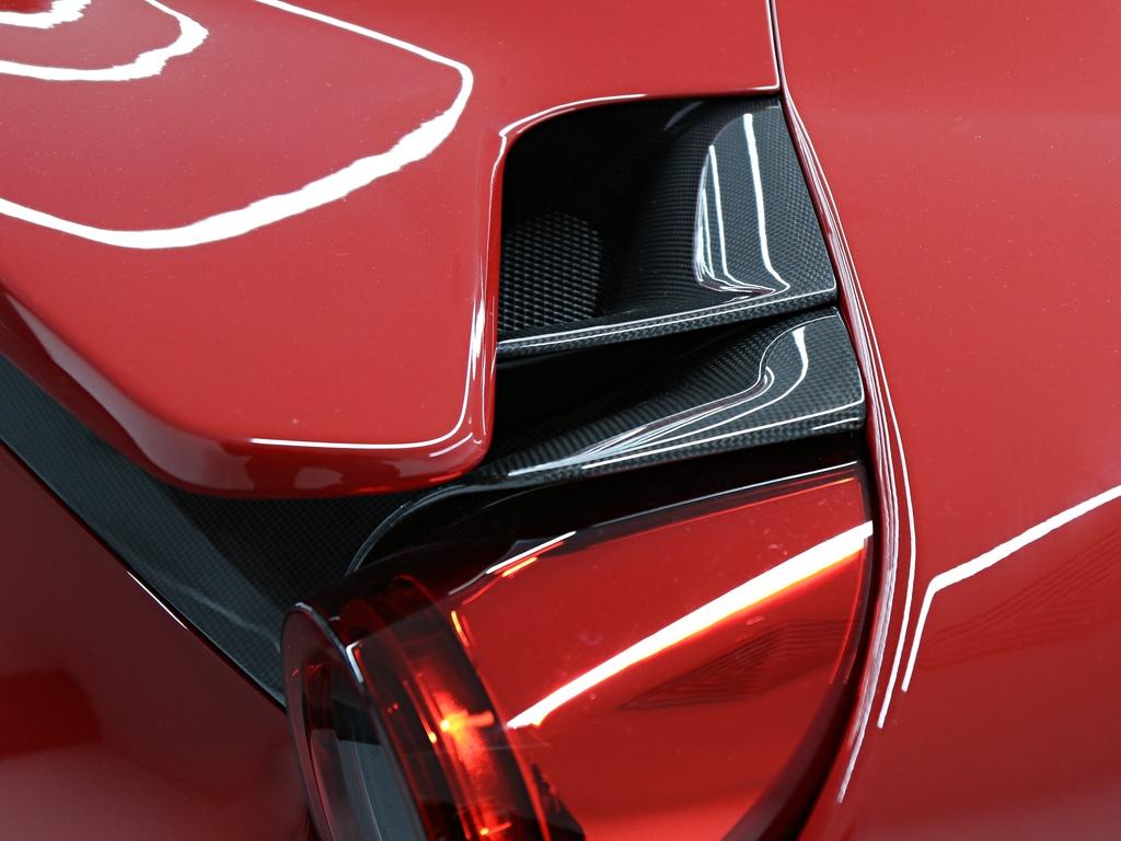 Ferrari_488_Pista_for_sale_0031
