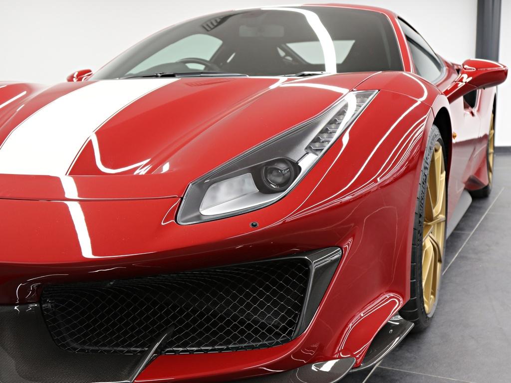 Ferrari_488_Pista_for_sale_0032