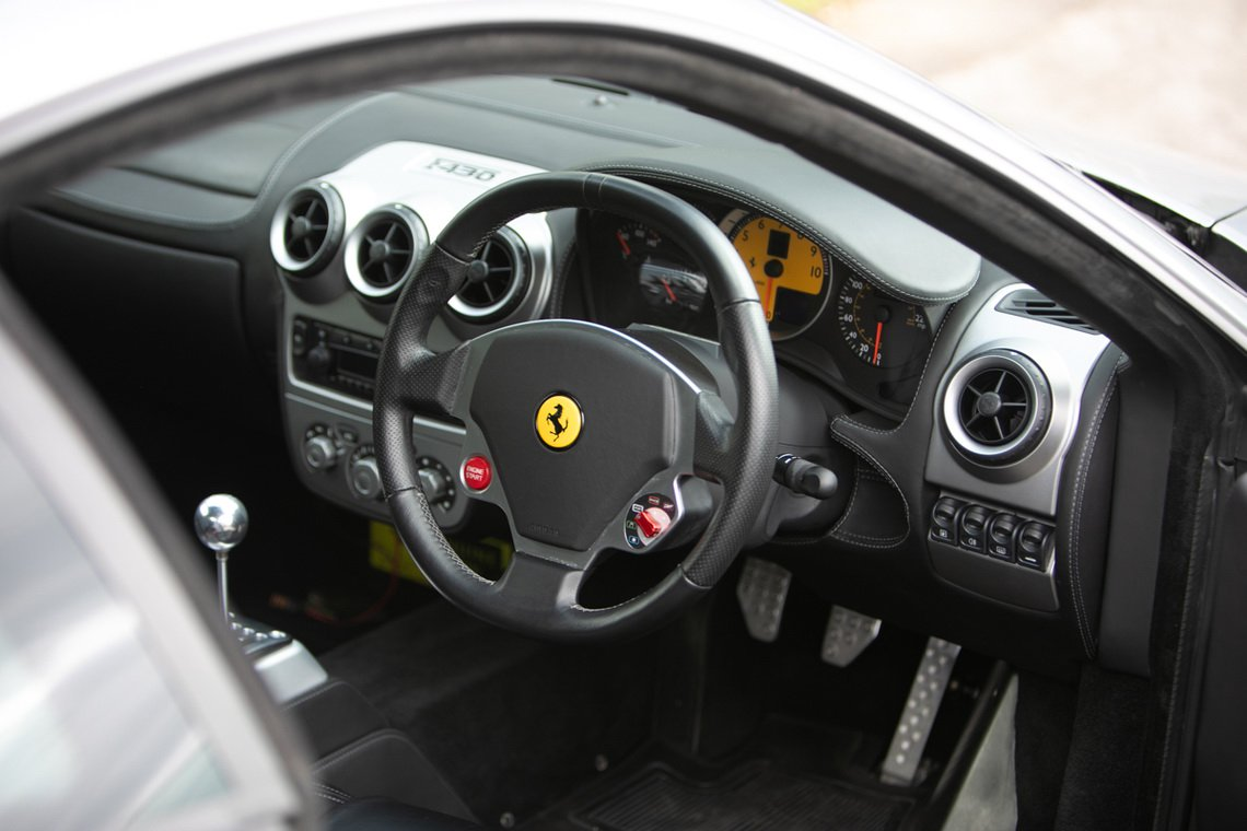 Ferrari-F430-manual-Gordon-Ramsay-16