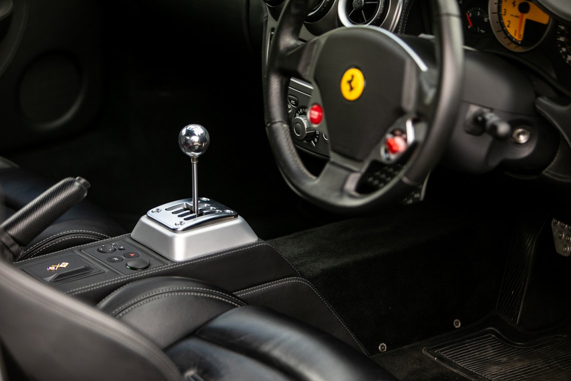 Ferrari-F430-manual-Gordon-Ramsay-21