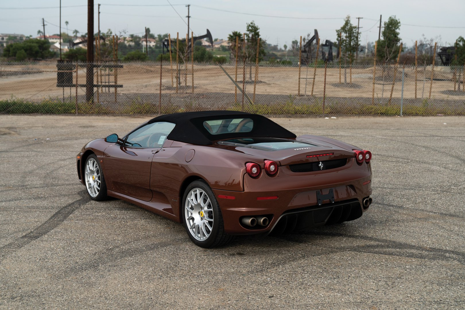 Ferrari F430 Spider in brown Classic Marrone color (2)